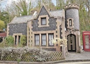 The Gate House mini-castle holiday cottage, Dover, Kent